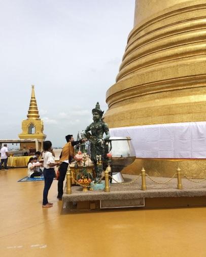 Golden mount1