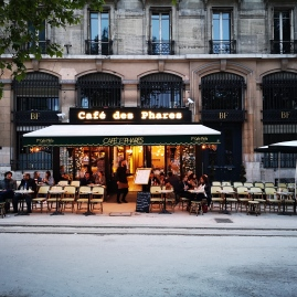 Cafe des Phares