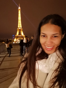 Enjoying a stunning view of the Eiffel Tower in Paris