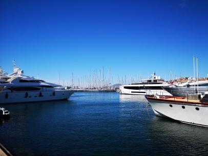 Yachts, Cannes